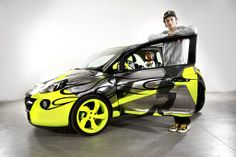 Opel Adam firmata da Valentino Rossi in asta su eBay