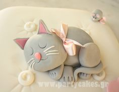 Cat cushion 2 copy by Party Cakes By Samantha, via Flickr