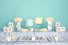 You know I have a thing for macaroons.  Mixed with this teal decor, they make an amazing presentation.  Love it!