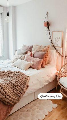 Seasonal Home Decor, Home Interior Design, Bedroom Inspo, Bedroom Interior, Home And Garden, Scandinavian Style Interior, Fall Home Decor, Home Renovation, Hygge Decor