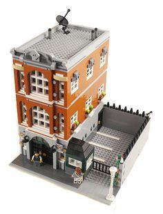 LEGO Consulate - Town Hall Alternative - Modular Building - building instructions and parts list. Lego City, Lego Village, Amazing Lego Creations, Lego Boards, Lego Modular, Lego Design, Lego Architecture, Lego Moc, Lego Lego