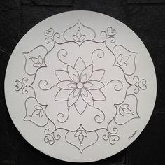 Mandala drawn in aluminum wire on a diameter round canvas.- Mandala drawn in aluminum wi. Mandala Drawing, Mandala Painting, Mandala Art, China Painting, Dot Painting, Fabric Painting, Pottery Painting, Ceramic Painting, Ceramic Art