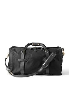 Discover the Filson Medium Duffle Bag. Rain-resistant Rugged Twill and durable Bridle Leather combine in this durable duffle bag. Discover the travel bag for all of your adventures. Leather Handle, Leather Bag, Cloth Bags, Medium Bags, Swagg, Luggage Bags, Briefcase, Messenger Bag, Gym Bag
