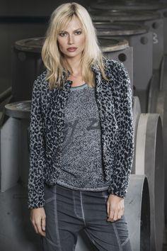 #Poools teddy vest met panterdessin #panterprint #luipaardprint #leopardprint #fall16 #winter17 #fashion #trends