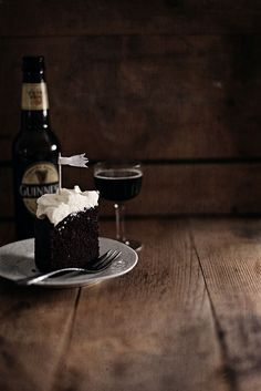 miss moss : dark temptress - guiness chocolate cake by call me cupcake