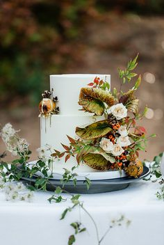 Red haired bride in an autumn inspired bridal shoot with hues of orange and red Painted Wedding Cake, Naked Cakes, Outdoor Wedding Inspiration, Cake Trends, Autumn Wedding, Woodland Wedding, Beautiful Wedding Cakes, Autumn Inspiration, Food Inspiration