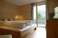 Hotel Waldrand Lenk im Berner Oberland Freundlich, Hotels, Camping, Furniture, Home Decor, Hotel Bedrooms, Bed, Pet Dogs, House