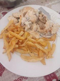 Κοτόπουλο με μανιτάρια και κρέμα γάλακτος Chicken, Meat, Food, Hoods, Meals, Kai