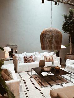 Ein Muss für Interior Fans. Artilleriet, Göteborg. Sweden, Couch, Furniture, Home Decor, Homemade Home Decor, Sofa, Decoration Home, Settee, Room Decor