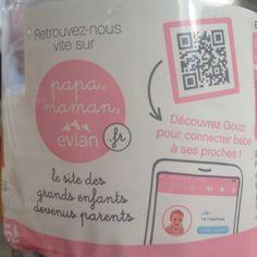 des bouteilles d'Evian sont distribuées dans les maternités