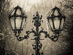 Beautiful Streetlight. Why can't we see more of these? ( maybe were I live )