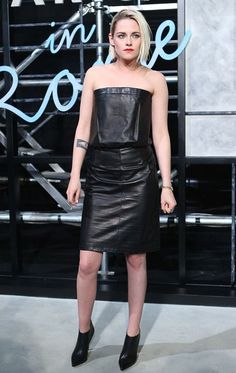 Kristen Stewart wore a #CHANEL Fall 2015 Couture leather dress to the #ParisInRome replica show held in Beijing. The Fashion Court (@TheFashionCourt) | Twitter