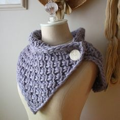 Wear as a cowl, neckwarmer even a capelet, the Phydeaux Twist knitting pattern (yep, a knitting pattern, not already knit for you) is super versatile, super fun and super quick to knit up with super bulky fiber. Shown here in blue sky alpaca bulky (so so soft!). :) @ Do It Yourself Remodeling Ideas