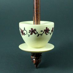 Teacup spindle in holly and kingwood / Woodland Woodworking
