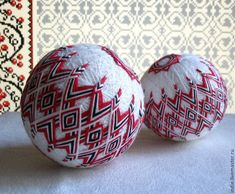 Купить или заказать Украинский орнамент в интернет-магазине на Ярмарке Мастеров. Темари — японская национальная техника вышивания на шарах. Есть готовые работы, есть образцы, которые я могу повторить на заказ. При повторе цветовая гамма может незначительно отличаться. Также она может быть изменена с учетом ваших пожеланий. Внутрь можно вставить «погремушку» - тогда, если потрясти шар, услышите приятное шуршание или пересту…
