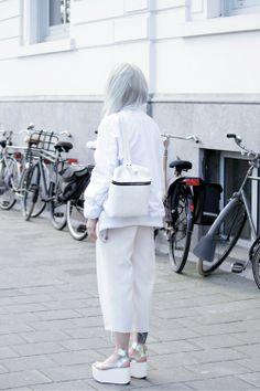 Love Aesthetics, Minimal Outfit, Modern Fashion, Fashion Design, All White, Platforms, Spring Summer Fashion, Normcore, Fashion Outfits