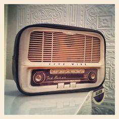 Retro Radio Washbag