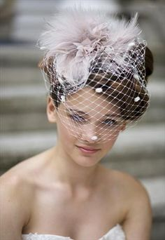 If I could go back to my wedding day, I would have a pillbox fascinator veil. Love!!