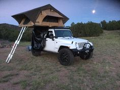 Cascadia Vehicle Tents is the leader in Root Top Tents and Roof Top Camping accessories. Lots of tent options for any popular car or truck. Jeep Camping, Motorcycle Camping, Best Camping Gear, Top Tents, Roof Top Tent, Patio Roof, Shed Roof, House Roof, Viajes