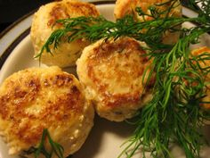 Kalapihvit Seafood Recipes, Cooking Recipes, Fish And Seafood, Baked Potato, Tapas, Nom Nom, Food And Drink, Eggs, Pie