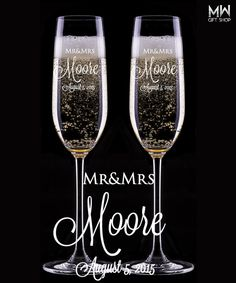 Custom Wedding Champagne Glasses, Engraved Champagne Flutes, Toasting Champagne Glasses for Bride and Groom, Set of 2 Glasses, Wedding Gift