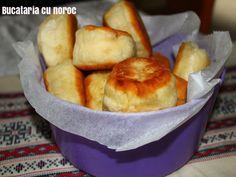 Placinte cu cascaval la tigaie - Bucataria cu noroc Noroc, Muffin, Breakfast, Morning Coffee, Muffins, Cupcakes