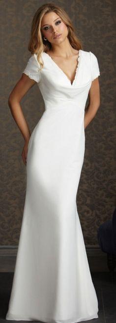 elegant and simple wedding dress #weddingdresses #weddings #fashion