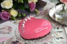 Entremet de fraises et son glaçage miroir Bonjour tout le monde, il est sublime cetEntremet de ...