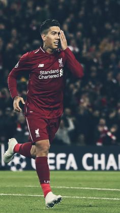 10 Roberto Firmino Of Liverpool Celebrates Ideas Liverpool Team, Camisa Liverpool, Liverpool Anfield, Liverpool Champions, Salah Liverpool, Best Football Players, Soccer Players, Football Team, Borussia Dortmund