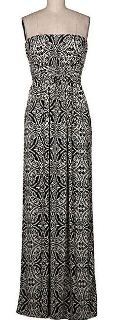 This maxi dress is so cute!!