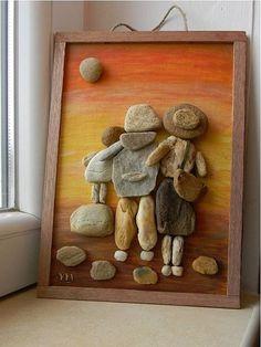 39 Genius Diy Pebble Art For Beautiful Interior Decoration - Decorhead.Com - Diy Crafts Stone Crafts, Rock Crafts, Arts And Crafts, Diy Crafts, Pebble Art Family, Pebble Pictures, Rock And Pebbles, Rock Decor, Sea Glass Art