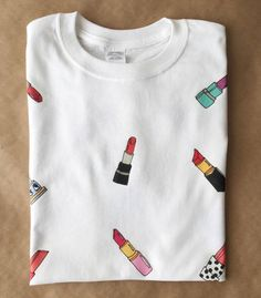 Lipstick T-Shirt / Illustrated Unisex Tee Shirt by HelloHurra