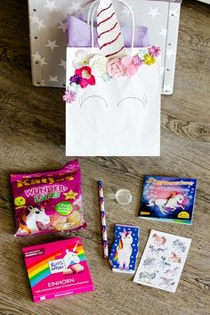 Ideas for a great unicorn party / rainbow party - Unicorn Party Gift Bags. The best ideas, recipes, games for a successful unicorn party / rainbow pa - Happy Birthday Girls, Unicorn Birthday Parties, Baby Birthday, Party Gift Bags, Party Gifts, Rainbow Unicorn Party, Kids Spa, Party Invitations, Pictures