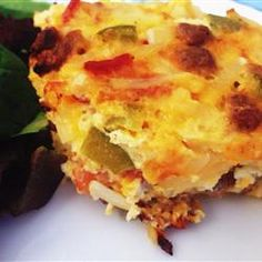 Easter Breakfast Casserole - You can't go wrong with eggs, potatoes, cheese, and bacon. What's For Breakfast, Breakfast Items, Breakfast Dishes, Breakfast Recipes, Egg Casserole, Breakfast Casserole, Casserole Recipes, Easter Recipes, Brunch Recipes