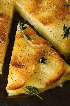 French - Crisp Potato Cake (Galette de Pomme de Terre) _ A Classic French Preparation to impress your holiday guests or French theme dinner! Side Dish Recipes, Vegetable Recipes, Vegetarian Recipes, Cooking Recipes, Healthy Recipes, Cooking Bacon, Dinner Recipes, Healthy Desserts, Gourmet Recipes