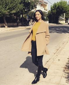 Duster Coat, Celebrities, Jackets, Fashion, Down Jackets, Moda, Fashion Styles, Celebs, Jacket