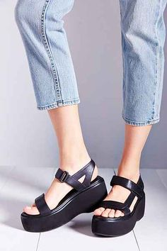 Vagabond Alexis Sandal - Urban Outfitters