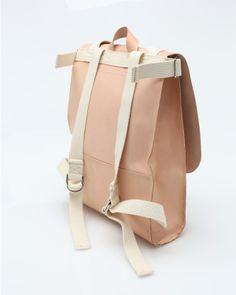 Sacagawea Carryall leather backpack3
