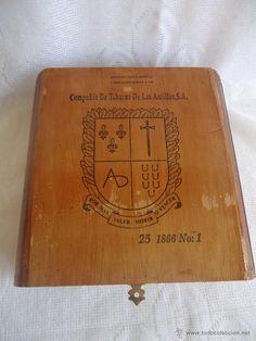 Antigua Caja de puros de la  Compañia de Tabacos de las Antillas, S.A.
