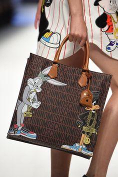 Moschino Looney Tunes logo bag Fall 2015   - ELLE.com