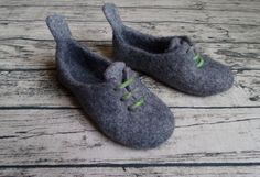 Womens Felted slippers oxfords Grey Green Wool by ShimaFiberArt