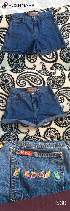 Vintage Mudd Shorts size 25/26! super comfortable and has cute butterfly designs on the back pockets! Mudd Shorts Jean Shorts