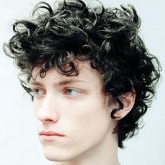Favorite Hairstyles Ideas For Curly Hair Men To Try 23 Black Curly Hair, Curly Hair Cuts, Long Curly Hair, Curly Hair Styles, Boys Curly Haircuts, Boy Hairstyles, Haircuts For Men, Mens Short Curly Hairstyles, Layered Hairstyles