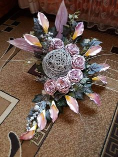Basket Flower Arrangements, Funeral Flower Arrangements, Modern Flower Arrangements, Paper Flowers Diy, Flower Crafts, Flower Art, Cemetery Flowers, Flower Quotes, How To Preserve Flowers
