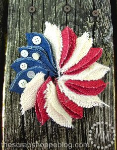 The Scrap Shoppe: Mini Patriotic Wreath Pin Oz variant - more blue, less red & white, buttons in configuration of stars. Patriotic Wreath, Patriotic Crafts, July Crafts, Summer Crafts, Holiday Crafts, Flag Wreath, Patriotic Quilts, Wreath Burlap, Patriotic Party