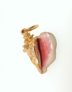 14 Karat Yellow Gold Pink Enamel Conch Shell Charm