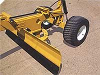 Hoelscher is a Bushton, Kansas hay baling equipment and earth moving equipment manufacturer. Garden Tractor Attachments, Atv Attachments, Metal Projects, Welding Projects, Tractor Accessories, Earth Moving Equipment, Small Tractors, Tractor Implements, Steel Fabrication