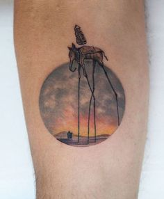 20 Detailed Tattoos That Fit Perfectly Into Small Circles | UltraLinx