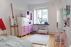 Cute Girl Bedroom Ideas - Your daughter will love a room filled with color, patterns, and cute accessories! Click through to find oh-so-pretty bedroom decorating ideas for girls of all ages. #girlbedroom #teenbedroom #teengirlbedroom #bedroomideas #girlbedroomideas #teenagebedroom #cutegirl #cutegirlbedroom #pinkbedroom #pinkroom #girlpinkbedroom #luxurygirlbedroom