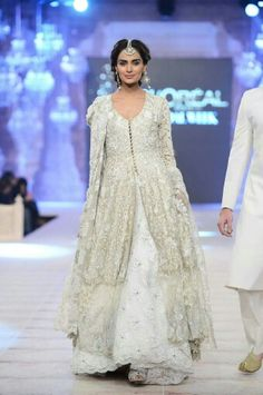 Pakistan's Fashion Model, Mehreen Syed
